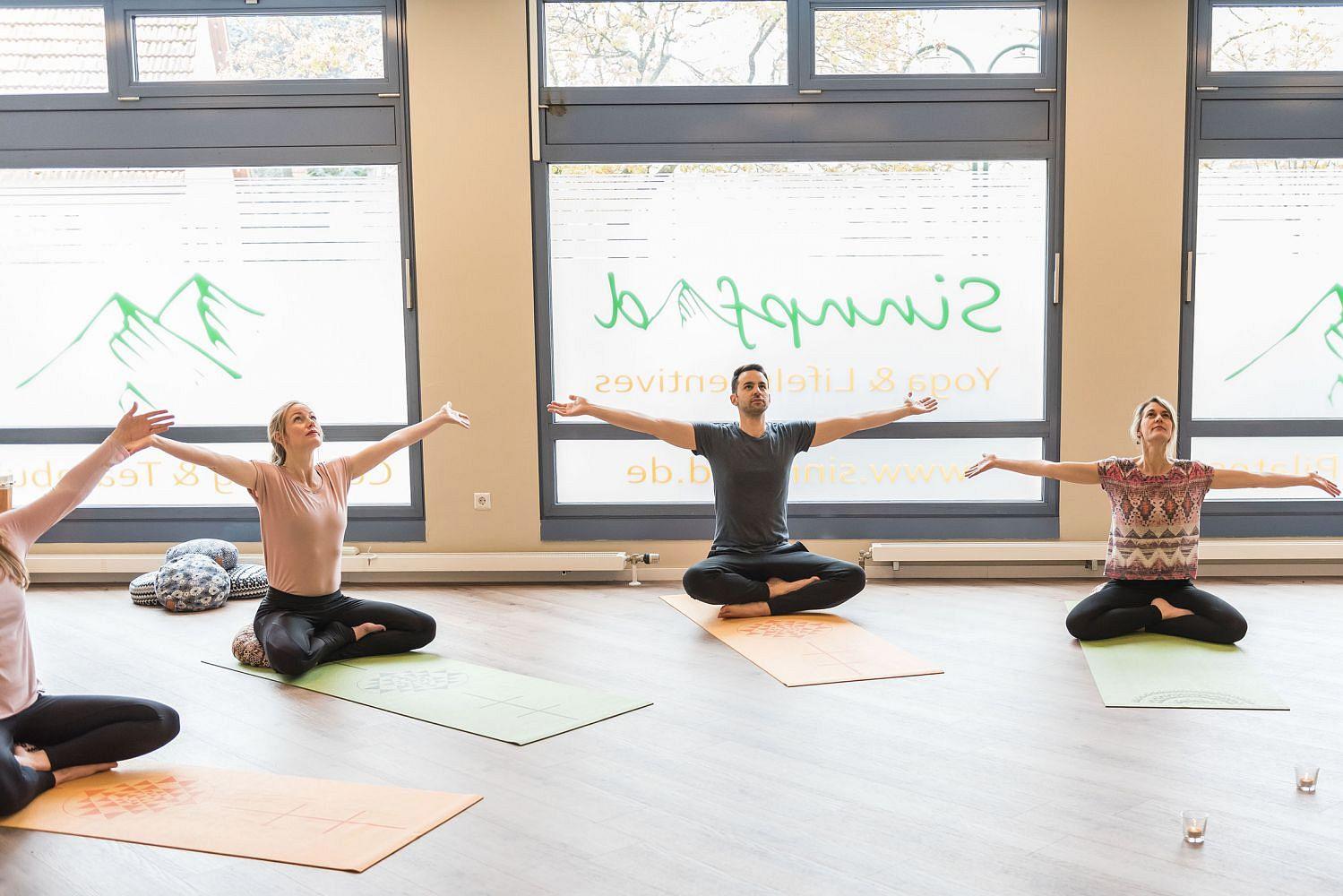 Yoga für Anfänger, Mittelstufe und Schwangere